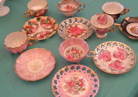 Antique dishes, cups and plantes at Canton First Monday fleamarket in Texas